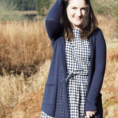 Jen Brownlie (Former fast fashion addict turned slow & Responsible fashion advocate.)